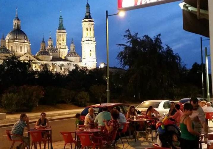 Oportunidad: mesón en Zaragoza con vistas al Pilar baja de precio
