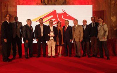 La Asociación de Cafés y Bares recibe la Medalla al Mérito Turístico