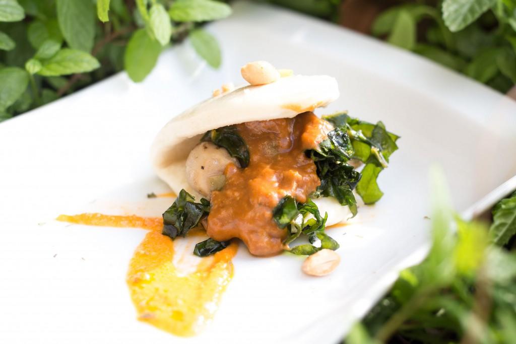 TAPA ORIGINAL DEL NEGURI: Pan bao con hongos del Pirineo y bocaditos de carrillera