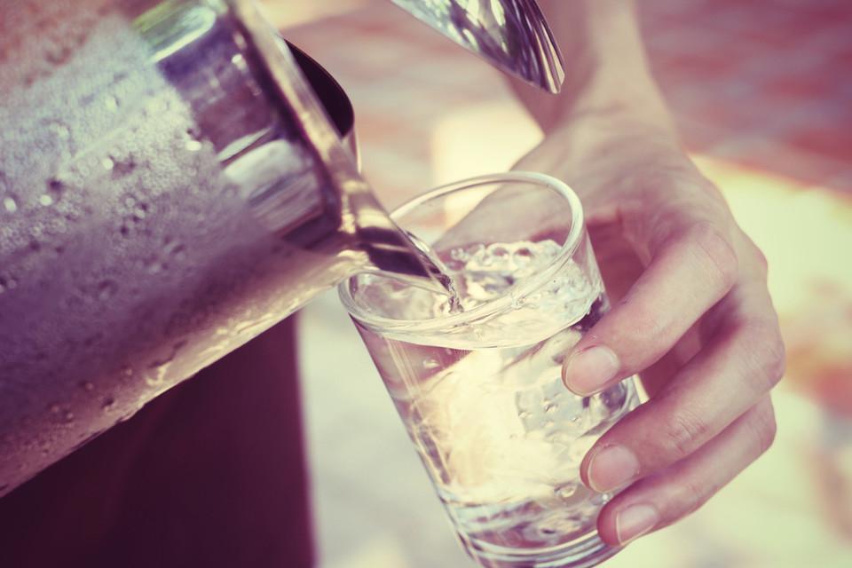 El agua a debate: ¿de grifo o embotellada?