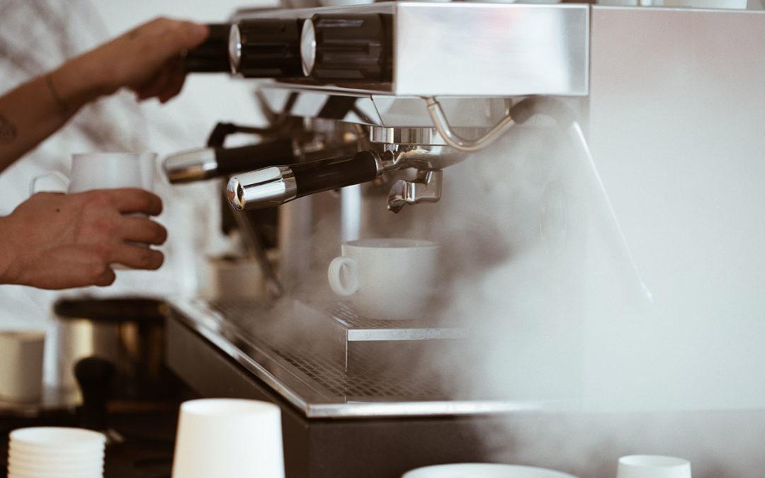 Cafés y Bares inaugura su centro de formación con un curso de Café y Técnicas Baristas