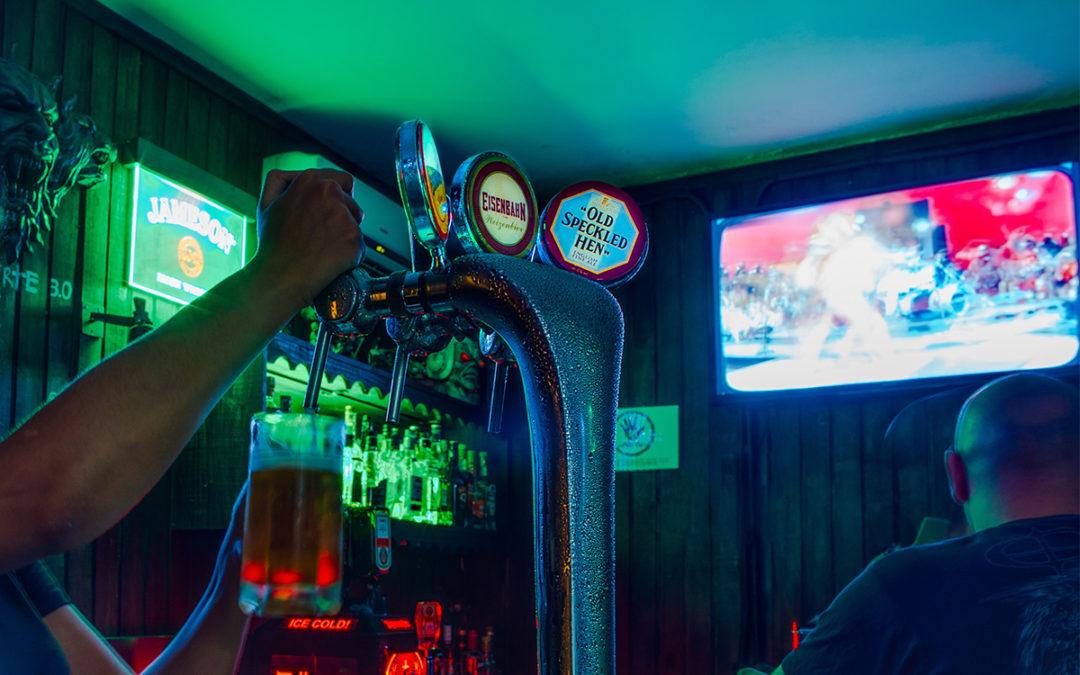 La FEHR y la Asociación de Cafés y Bares buscan soluciones ante las redes de instaladores de codificadores ilegales para las retransmisiones de fútbol