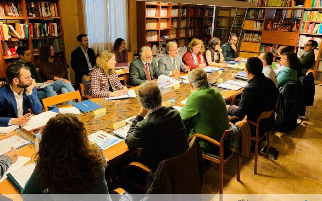 Las Asociaciones de Hostelería y Asociaciones de Vecinos alcanzan un amplio número de puntos de encuentro ante el Justicia de Aragón