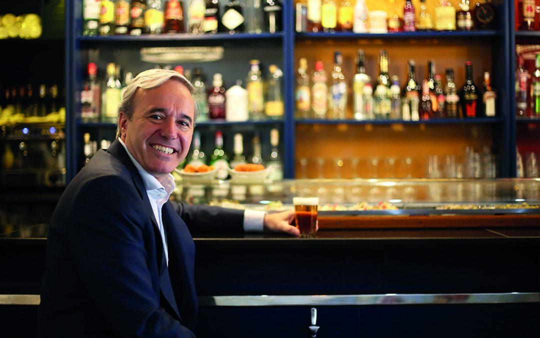 """Jorge Azcón: """"Relaciono los bares con quedar con la gente a la que quiero"""""""