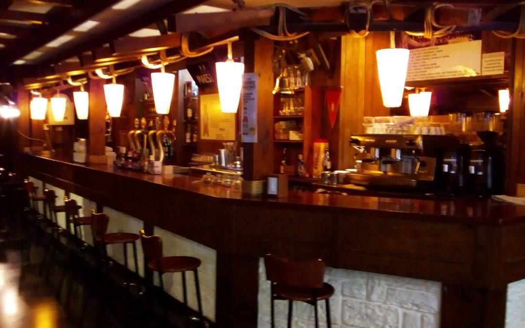 Oportunidad: Se traspasa pub en la Plaza San Francisco de Zaragoza