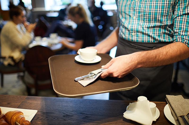 La Asociación de Cafés y Bares considera insuficientes las medidas económicas para paliar los efectos del COVID-19 sobre el sector